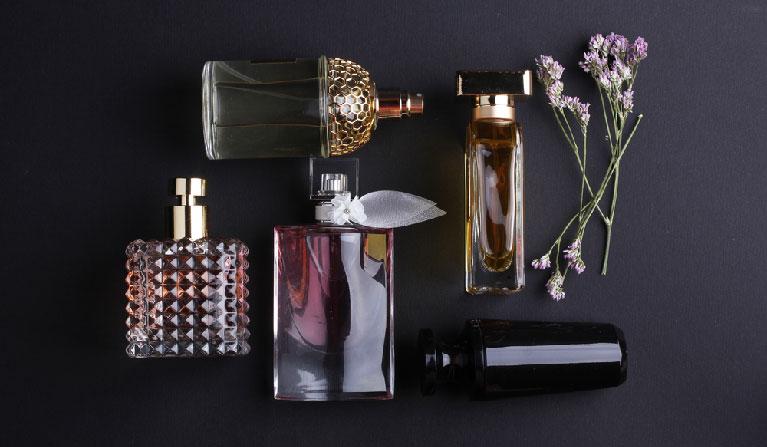Pick the right perfume at Jizan Perfumes